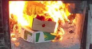 В Крыму изъяли из продажи 108 кг санкционных продуктов. Сожгли