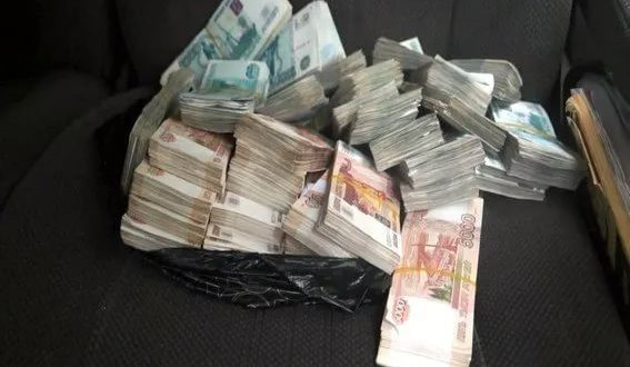 Экс-заместителя главврача онкодиспансера Севастополя подозревают в мошенничестве