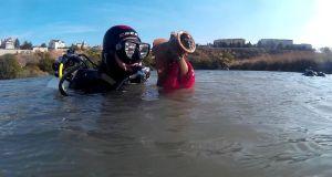 Подводные археологи исследуют Карантинную бухту Севастополя