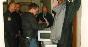 В Ялте у горожан, задолжавших за подачу тепла в квартиры, изымают имущество