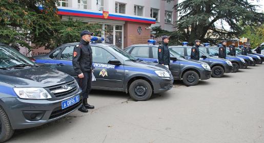 Росгвардия Крыма получила восемь новых патрульных автомобилей
