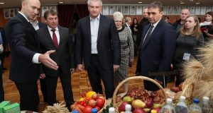 Сергей Аксёнов поздравил работников и ветеранов сельского хозяйства Крыма