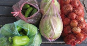 Из Крыма в Украину вернули четверть тонны овощей, фруктов, орехов и сухофруктов