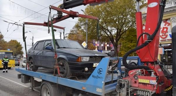Новогодний «подарочек» крымским автолюбителям: с 1 января подорожает эвакуация автомобилей