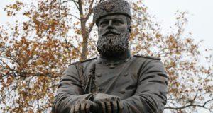 Чубаров заявил, что, как вернется, снесет за неделю памятник Александру Третьему в Крыму