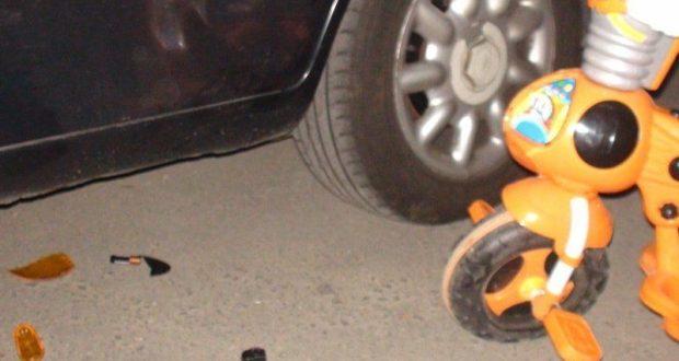 ДТП в Крыму: 1 декабря. На парковке в Симферополе под колёсами авто оказался двухлетний малыш