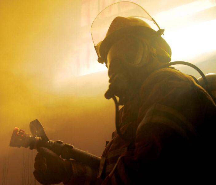 Поздно вечером в Симферополе произошло возгорание в ТЦ «Южная галерея»