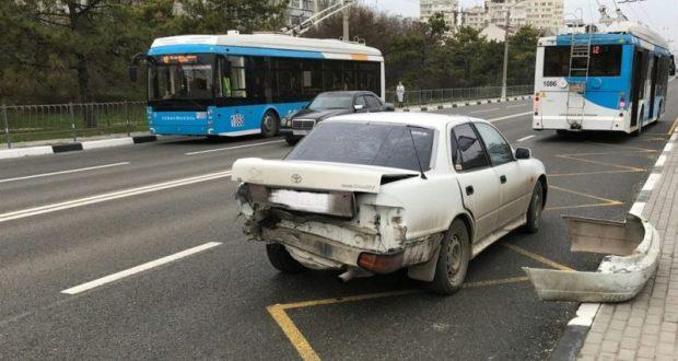 """Воскресное ДТП в Севастополе. """"Догонялки"""" на пешеходном переходе"""