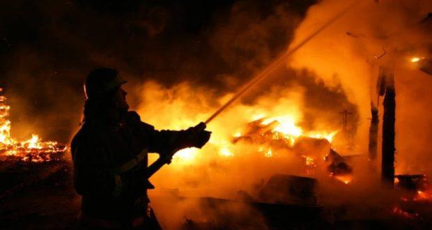 На пожарах в Симферополе и в Белогорском районе Крыма погибли двое мужчин