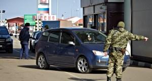 Украинцы потянулись в Крым. За один день границы пересекли свыше 10 тысяч человек