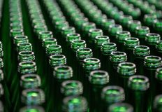 Свыше 9 миллионов литров алкогольной продукции изъято в России из незаконного оборота