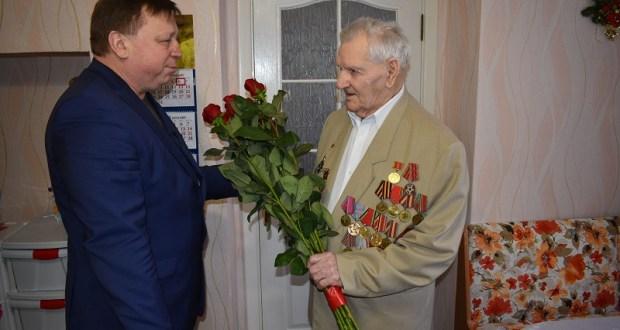 В Симферополе ветерану Великой Отечественной войны вручили медаль «За боевые заслуги»