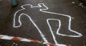 В Евпатории возле автозаправочной станции нашли труп мужчины