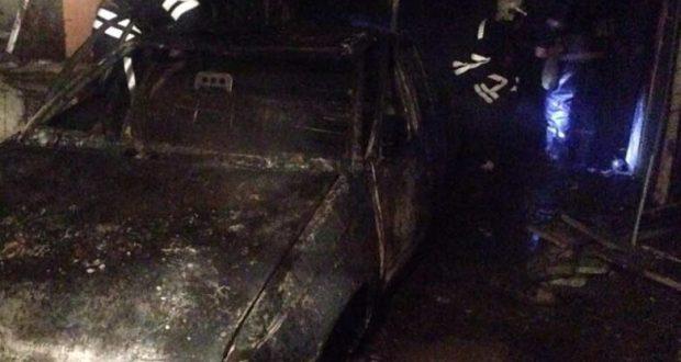 Под Новый год в Севастополе сгорел автомобиль