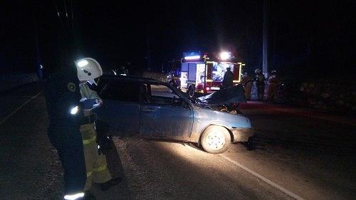 ВКрыму легковушка врезалась втрактор, шофёр умер