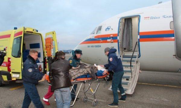 Спецборт МЧС доставил тяжелобольных детей изКрыма в российскую столицу