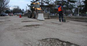 В Севастополе возобновили капремонт дороги-дублера проспекта Генерала Острякова