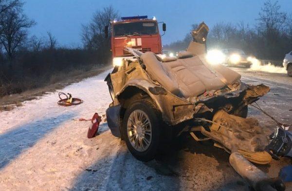 ДТП на трассе Джанкой-Симферополь: легковушку разорвало на две части. Трое погибло, пятеро - в больнице