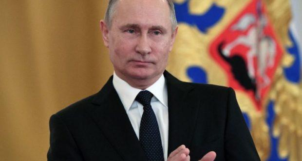 Центризбирком России зарегистрировал Владимира Путина кандидатом в президенты