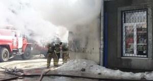 В Саках на пожаре спасена пожилая женщина