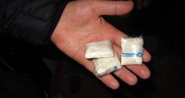 """В Севастополе """"закладки"""" не дойдут до """"потребителей"""" - полицейские поймали наркодилера"""