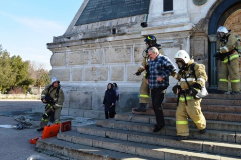 На Северной стороне Севастополя пожарные тушили Свято-Никольский храм