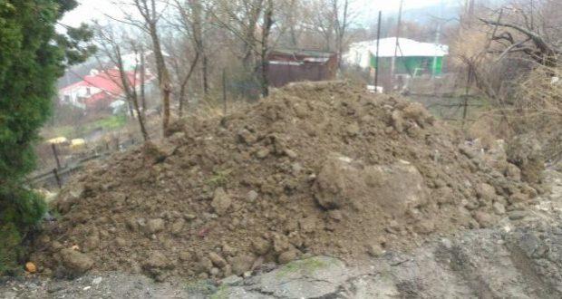 В Министерстве экологии Крыма обещают разобраться с теми, кто сваливает отходы в Оползневом