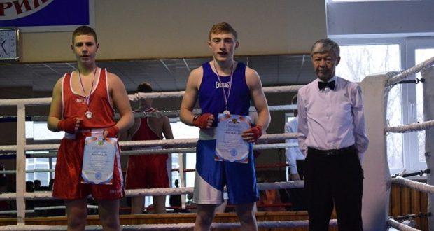 В Симферополе завершилось первенство города по боксу среди юношей