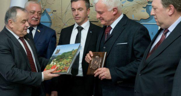 Прибывшие в Крым немецкие депутаты из намерены начать в своей стране дискуссию о снятии санкций
