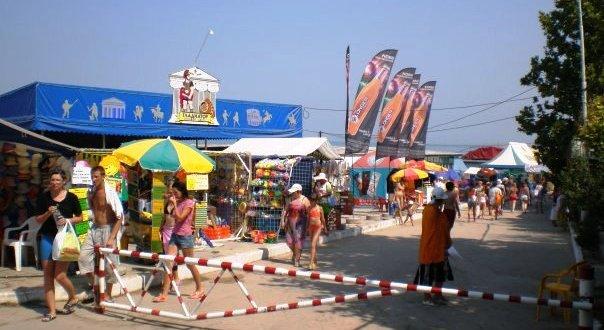 Летом на севастопольских пляжах будет работать почти 200 торговых точек
