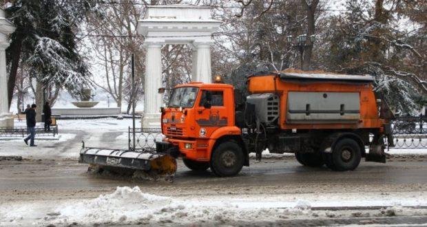 Севастопольские власти официально отчитываются о борьбе со снегом и льдом