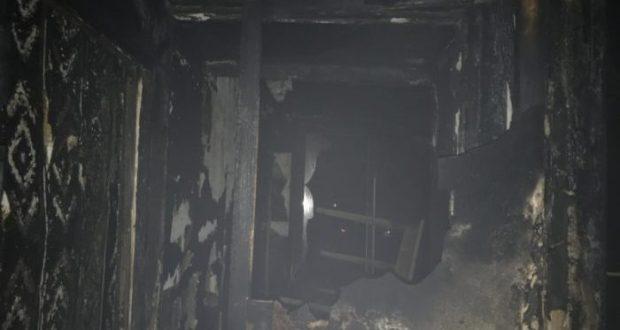 Ночной пожар в Евпатории: одна женщина госпитализирована, 12 человек эвакуированы