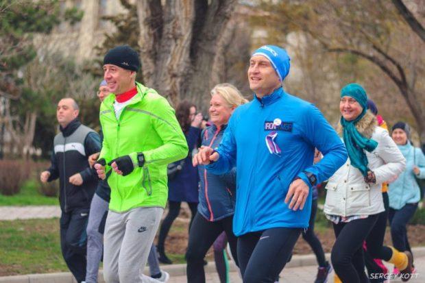 В Евпатории бегали в честь четвёртой годовщины воссоединения Крыма с Россией