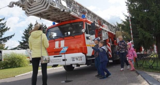 Пожарно-спасательный флешмоб в Симферополе
