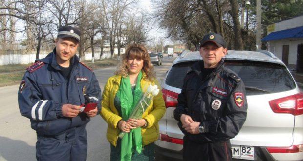 В Нижнегорском районе Крыма на дорогах празднуют 8 Марта