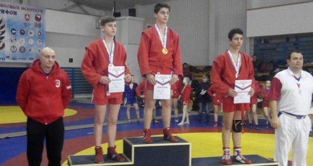 Симферопольские борцы завоевали 14 медалей на соревнованиях по самбо