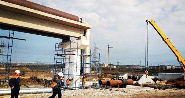 Строители автоподохода к Крымскому мосту демонтируют старую теплотрассу