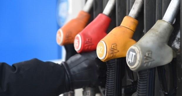 На АЗС Крыма снова подорожал бензин