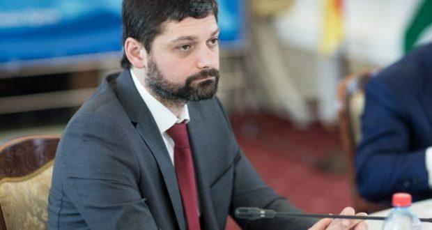 Депутат: крымчанам следует отказаться от поездок на Украину