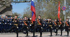 9 мая в Симферополе, Керчи и Севастополе пройдут военные парады