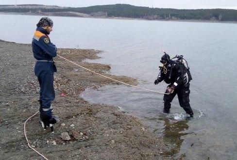 Водолазы «КРЫМ-СПАС» провели тренировку на Симферопольском водохранилище