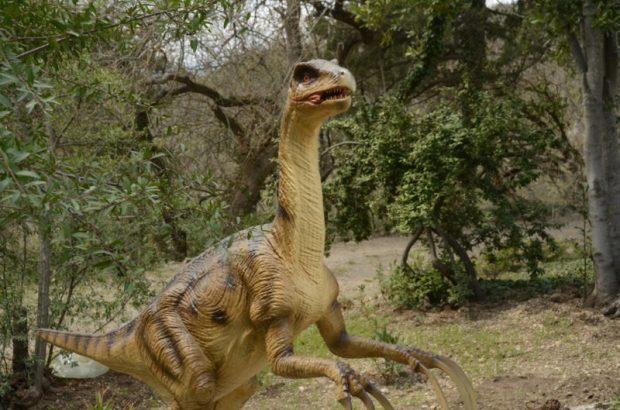 В Никитском саду поселились... динозавры