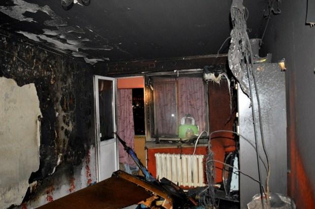 Севастопольские спасатели ликвидировали пожар. Спасены десять человек и собака