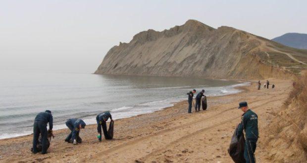 Спасатели крымского МЧС проведут экологическую акцию «Чистый берег»