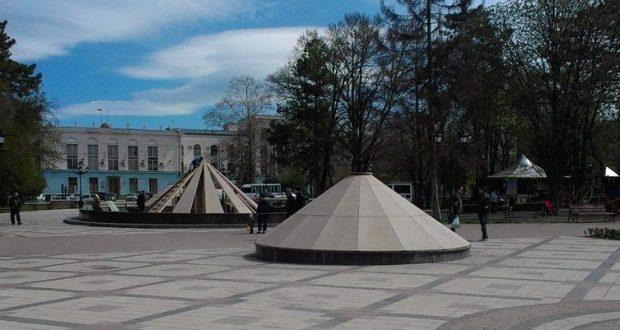 За фонтанами Симферополя специалисты обещают тщательно следить