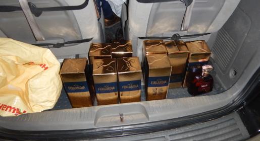 Гражданин Украины пытался провезти в Крым 18 литров «Финляндии»
