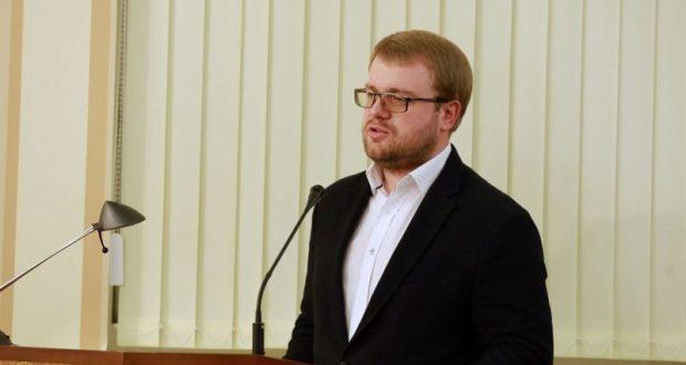 Крымский министр «потерял портфель», но остался вице-премьером
