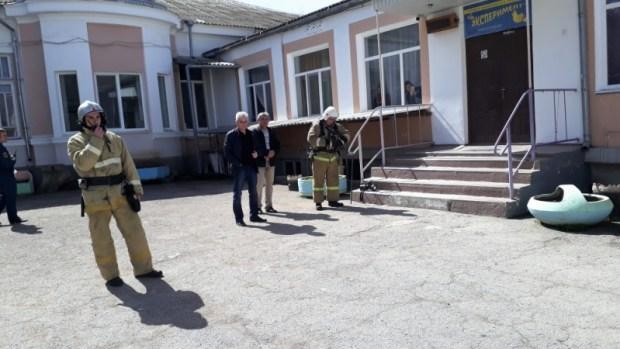 В торговых и развлекательных центрах Евпатории прошли пожарно-тактические занятия