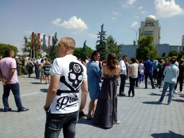 Не майдан, не митинг, не акция. Просто собрание арендаторов и работников севастопольского «Муссона»