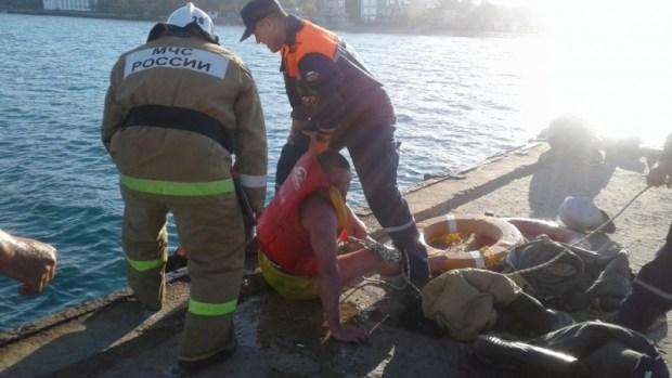 В Феодосии спасен утопающий – «открывал сезон»